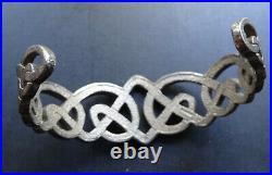 Vintage signed Malcolm Gray STERLING SILVER Scottish celtic torc bracelet -Q34